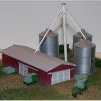 Modern Barn & Grain Silo Box Set Kits - Z Scale