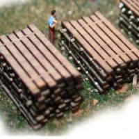 Wood Plank Stacks w/Separator Webs - Z Scale